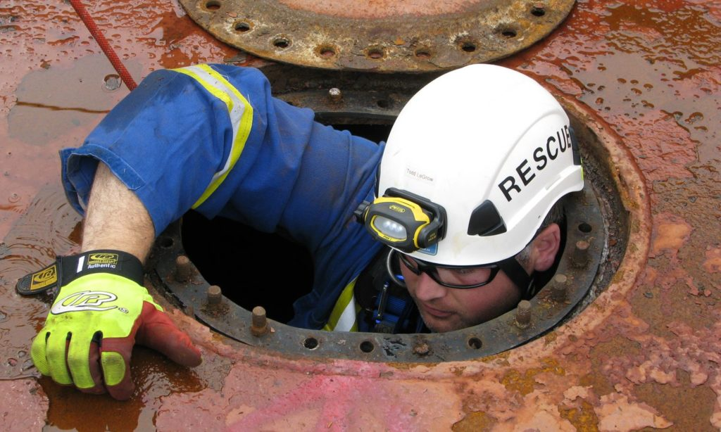 What Is Confined Space Work & It's Safety Tips
